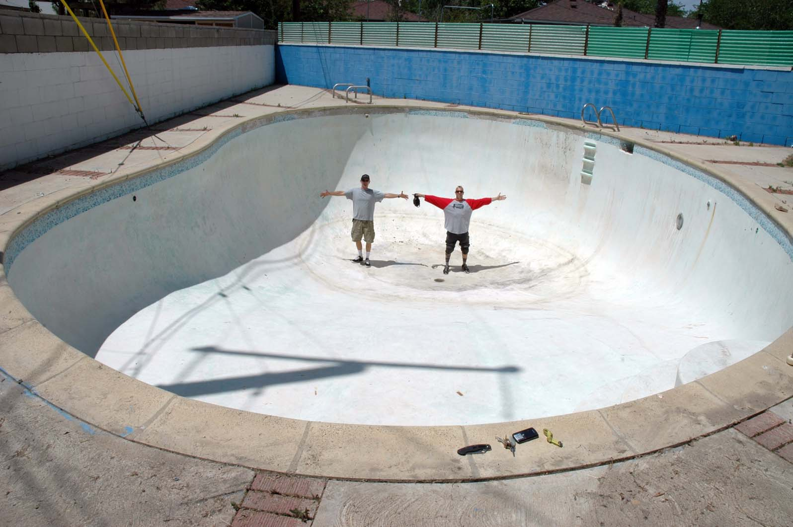 i skate therefore i am blog the great desert pool duel
